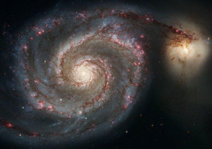 http://www.alaalsayid.com/images/articles/Fibonacci/hubble.jpg